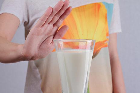 日本人はカルシウム摂取に牛乳は不向き?